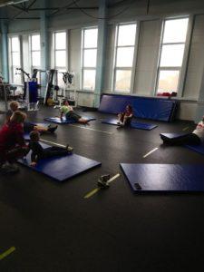 Занятия адаптивной физкультурой в Ледовом Дворце